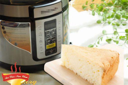 Hướng dẫn cách làm bánh bông lan đơn giản bằng nồi cơm điện