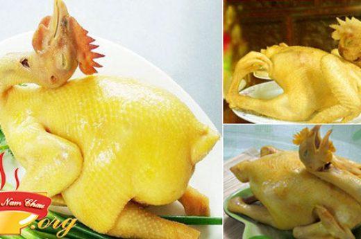 Cách luộc gà thơm ngon vàng óng không bị nứt