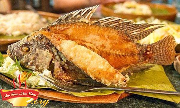 Cách rán cá vàng giòn thơm ngon không dính chảo