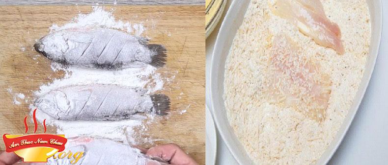 Dùng bột mì để rán cá