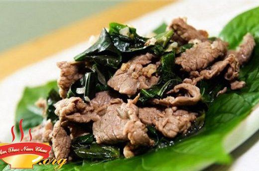 Thịt xào bò lá lốt thơm ngon khó cưỡng đổi vị cho cả nhà