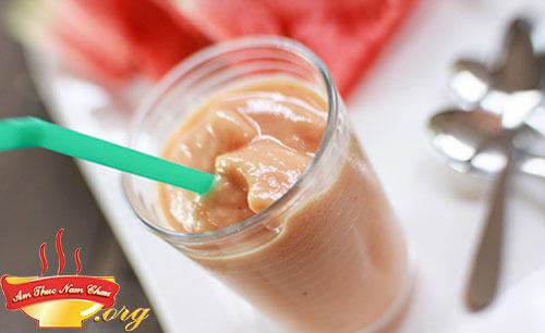 Sinh tố dưa hấu chuối kết hợp với sữa chua