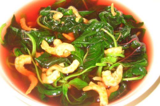 Bổ dưỡng, thanh mát canh rau dền nấu tôm