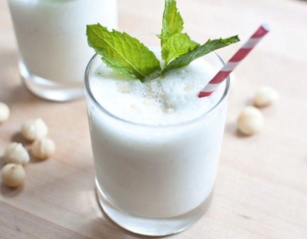 Mát lịm sinh tố sữa dừa giải nhiệt ngày hè nắng nóng