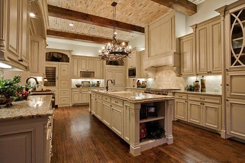 Sử dụng đèn chiếu sáng trong trang trí nội thất nhà bếp